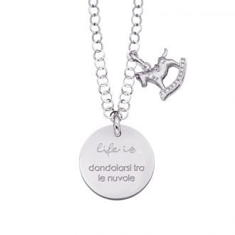 Life is Enjoy collana con medaglietta dondolarsi tra le nuvole e charm in zirconi For You Jewels
