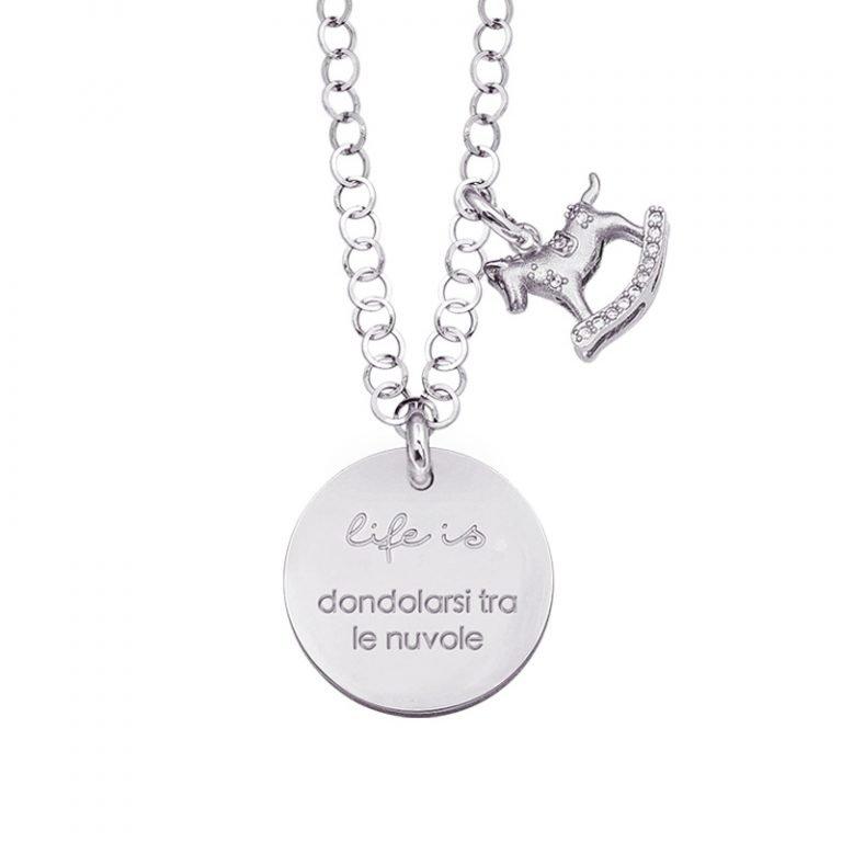 Life is Enjoy collana con medaglietta dondolarsi tra le nuvole e charm in zirconi For You Jewels